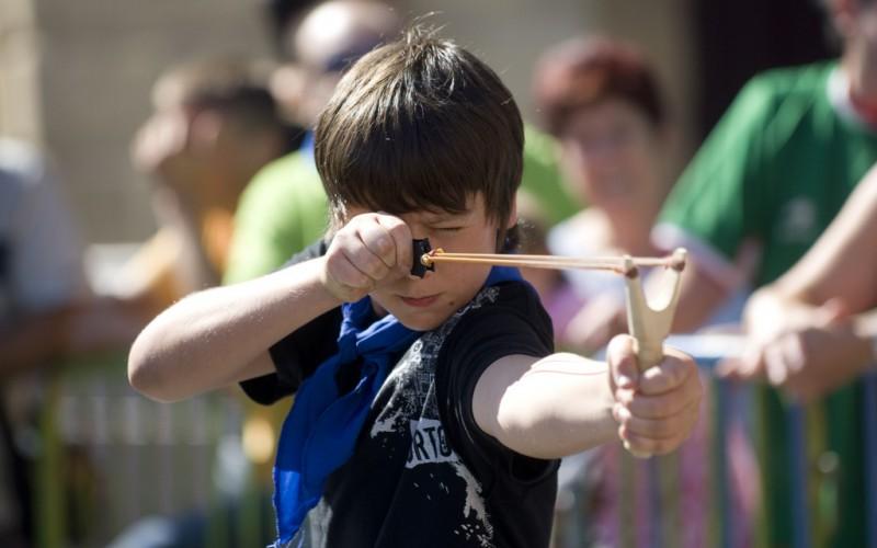 Piden que el tirachinas sea considerado deporte olímpico en los Juegos de Atenas 2004